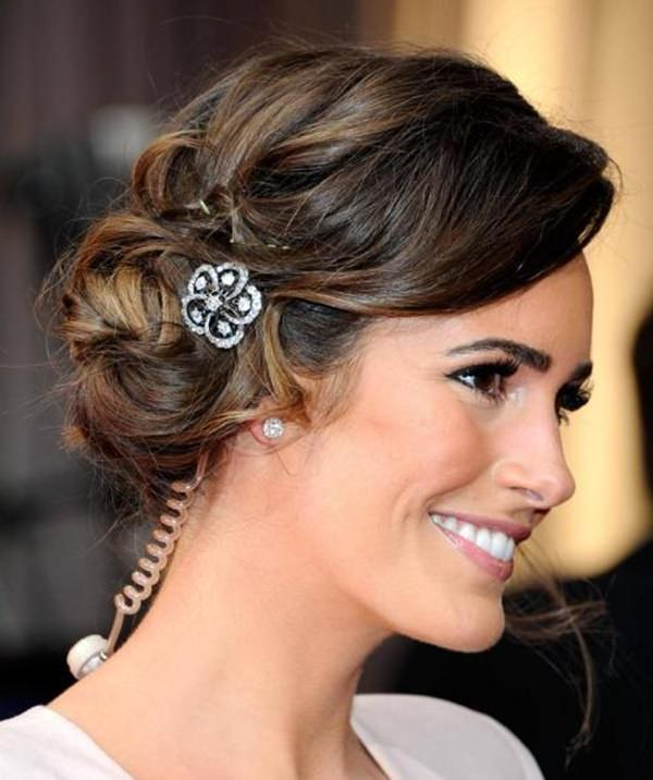 Stunningly Creative Updos For Long Hair - Bun hairstyle for oval face