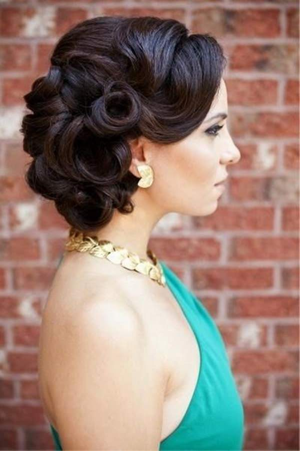 72 stunningly creative updos for long hair 1easy updos for long hair 100416 urmus Images