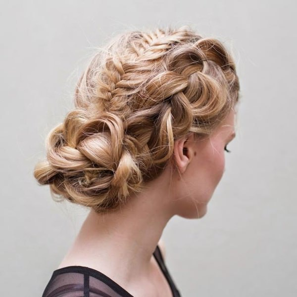 72 stunningly creative updos for long hair 33easy updos for long hair 100416 urmus Images