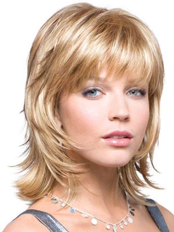 medium hairstyles with layers Medium length layered hairstyles are those that can frame your face with the beautiful falling hair, these styles are sassy yet elegant.