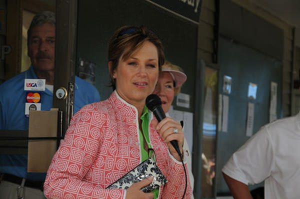 13280816-dorothy-hamill-haircut