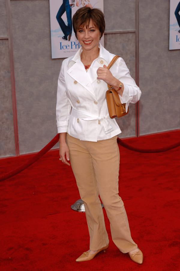 Former ice skating champion DOROTHY HAMILL at the Hollywood premiere of Walt Disney Pictures' Ice Princess, at the El Capitan Theatre. March 13, 2005: Los Angeles, CA. © 2005 Paul Smith / Featureflash*** USA ONLY ***