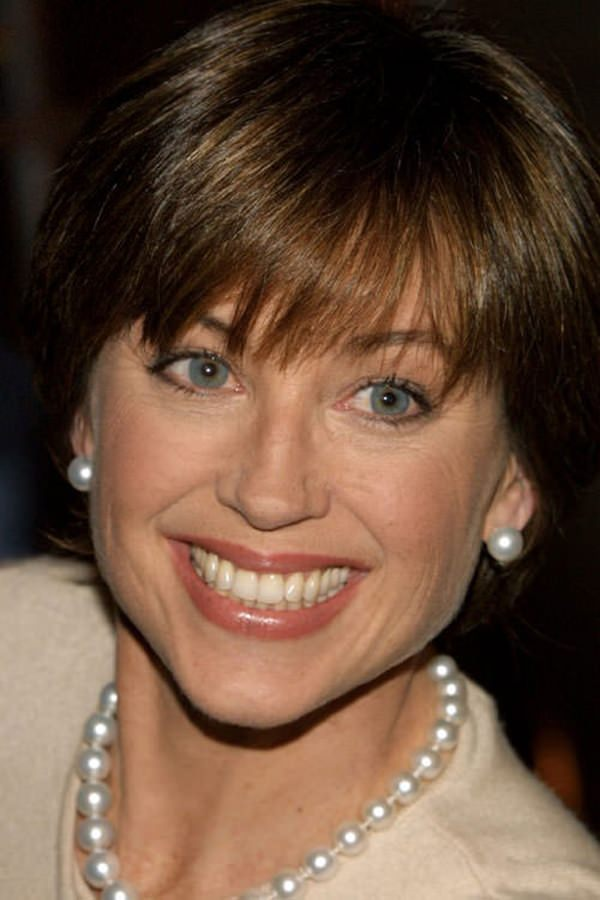 20280816-dorothy-hamill-haircut