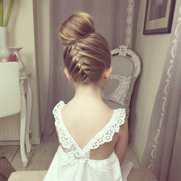 26150916-little-girl-hairstyles