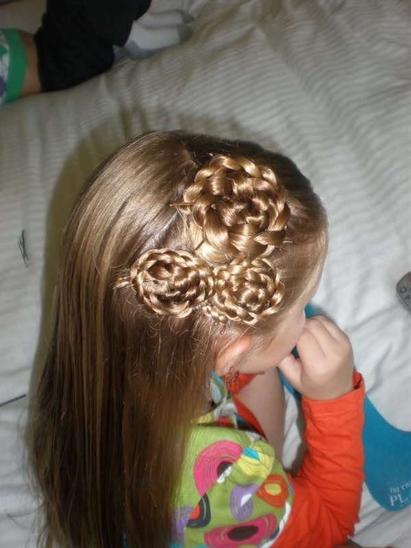 3150916-little-girl-hairstyles