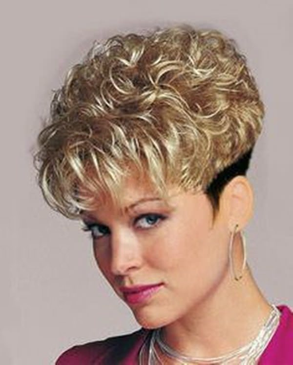 45 best dorothy hamill hairstyles for the chic mature woman 40280816 dorothy hamill haircut winobraniefo Image collections