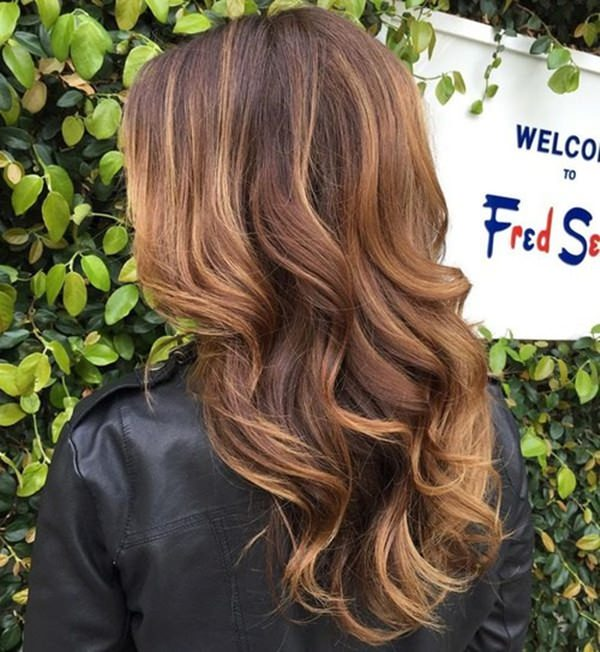 47110916-caramel-highlights