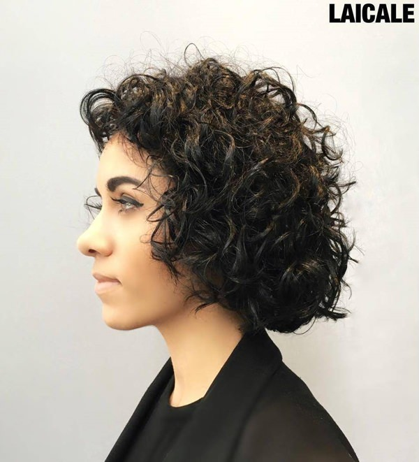 68280816-short-curly-hairstylescurlybobhairstyle