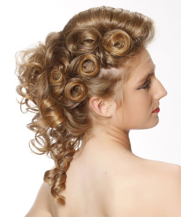 34 Gorgeous Homecoming Hairstyles For All Lengths