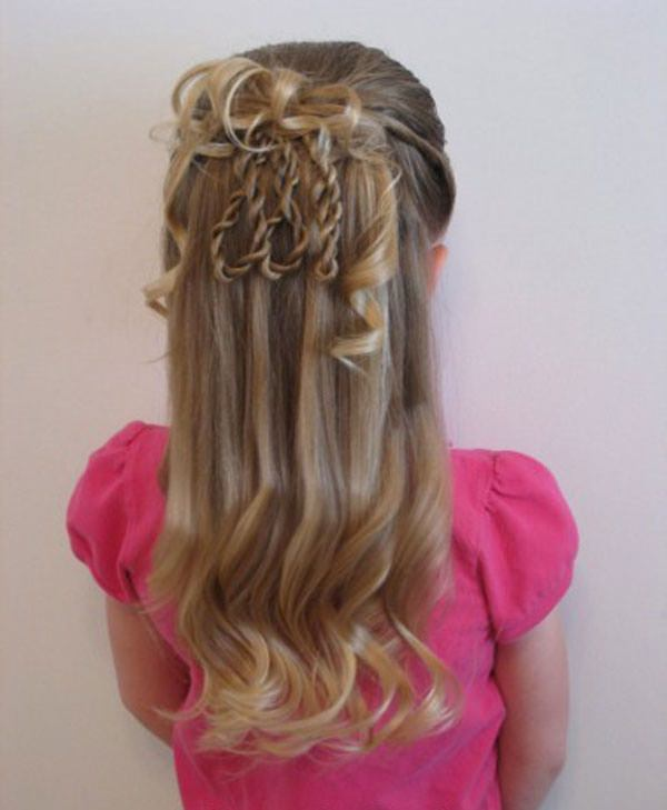 These Cute Braids Really Make The Hairstyle A Cool One This Style Is Perfect If You Have An Event To Go