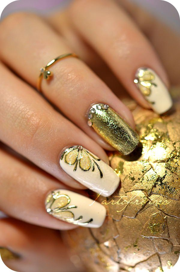 12091215-butterfly-nails