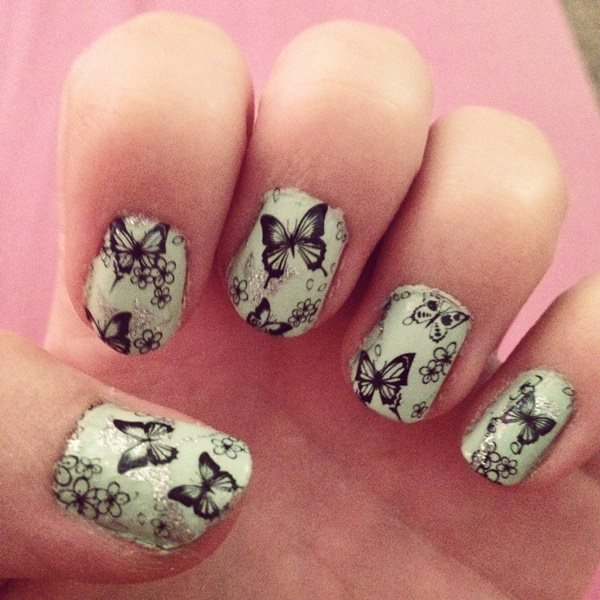 3091215-butterfly-nails