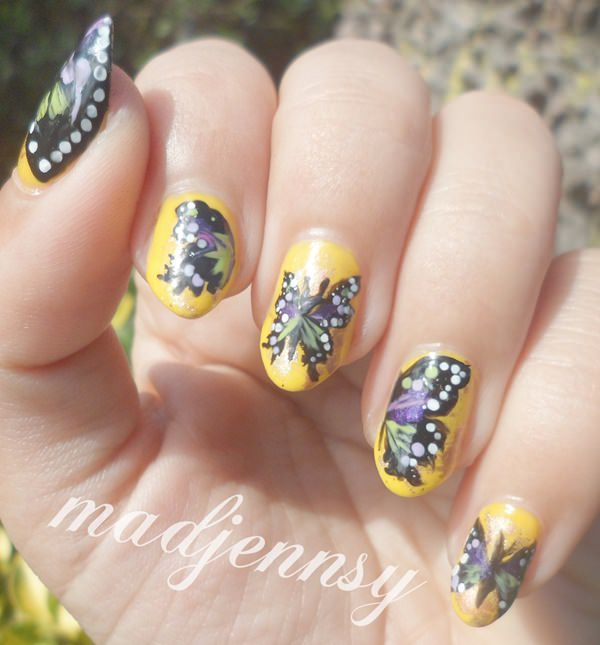 4091215-butterfly-nails