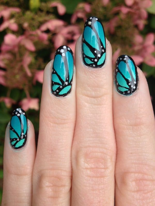 8091215-butterfly-nails