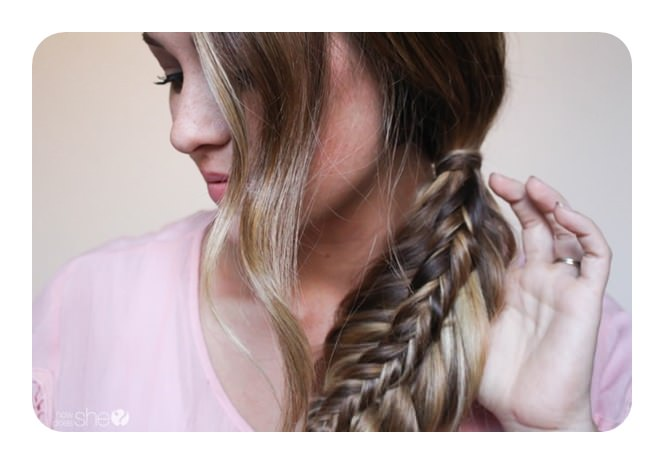 Its First Put Into A Ponytail Before The Braiding Starts Unique Thing About This Style Is That There Braid Inside Of