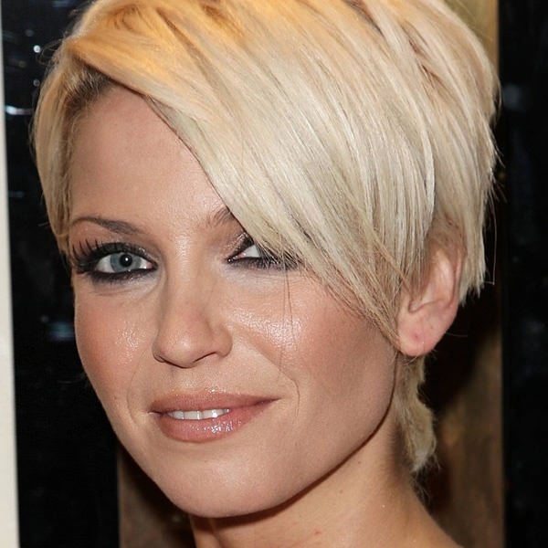 wedge haircuts for gray hair 36 extraordinary wedge hairstyles for your next amazing style 3301
