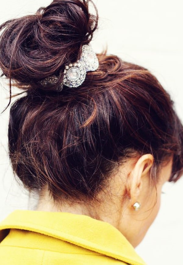 31easy-updos-for-long-hair-100416