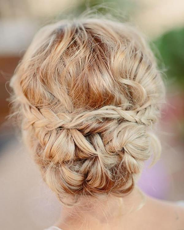 34easy-updos-for-long-hair-100416