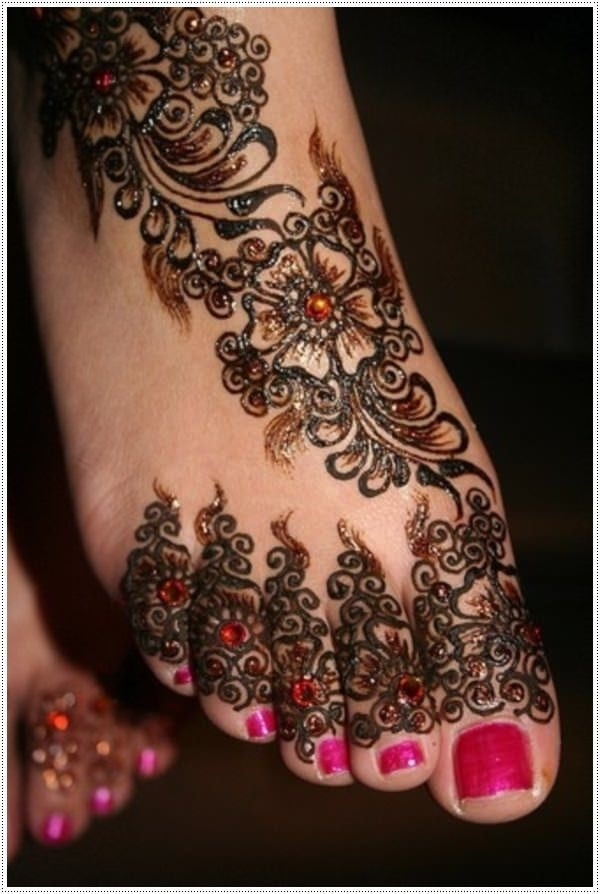 25110416-henna-tattoo-designs