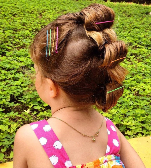 29150916-little-girl-hairstyles