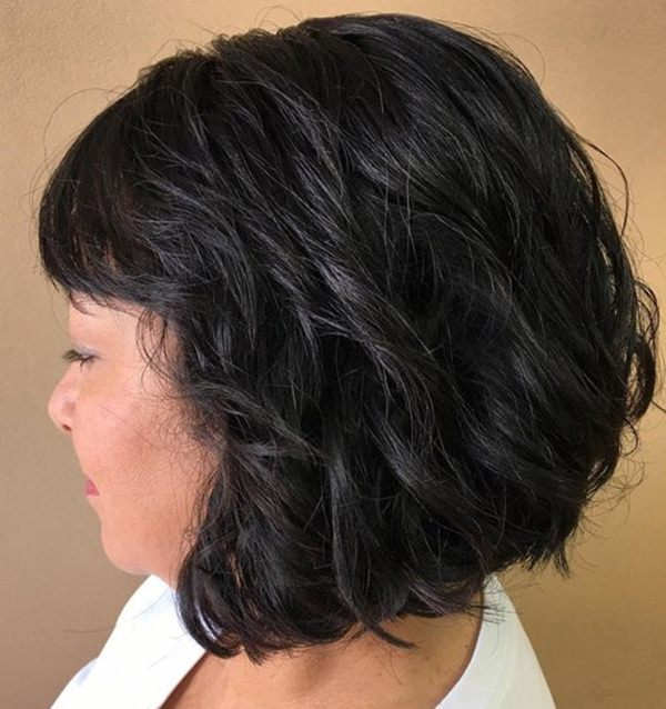 31280816-short-curly-hairstyleswavybobwithshortbangs