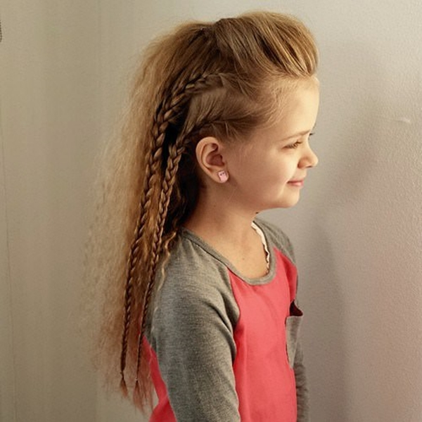33150916-little-girl-hairstyles