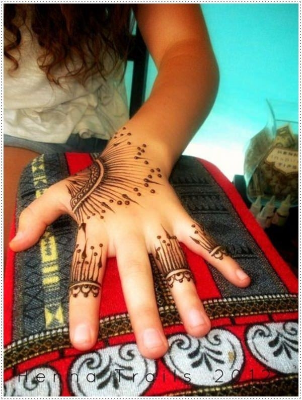 34110416-henna-tattoo-designs