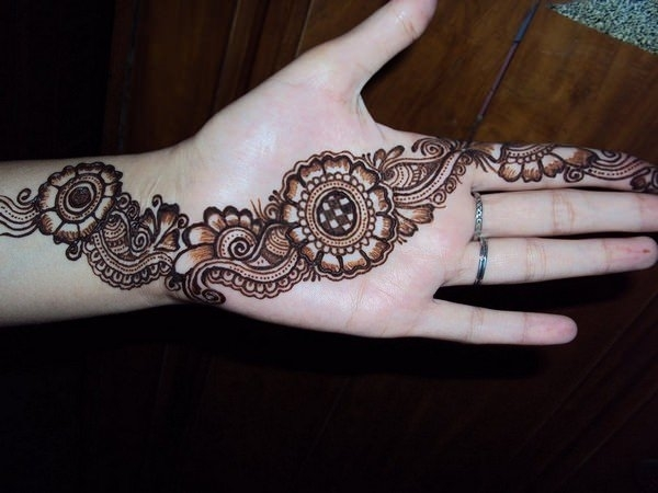 47110416-henna-tattoo-designs