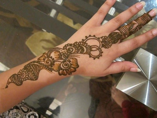 57110416-henna-tattoo-designs