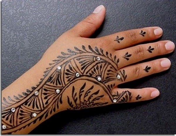6110416-henna-tattoo-designs