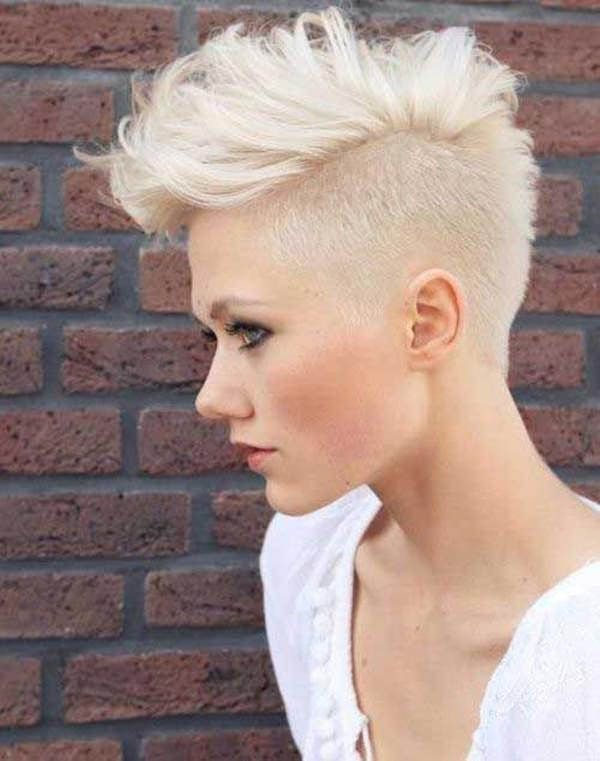 A Great Shaved Style That Has Mohawk I Love The White Blonde It S Absolutely Stunning