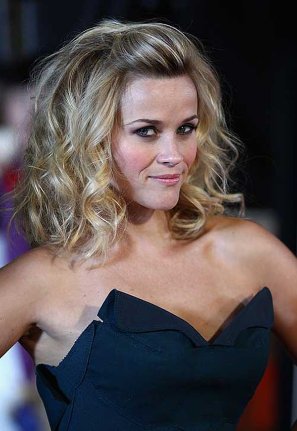 Feel free to follow any fashion or hairstyle that Reese Witherspoon has because she is always on point. This gorgeous curly look can be worn casually or for ...