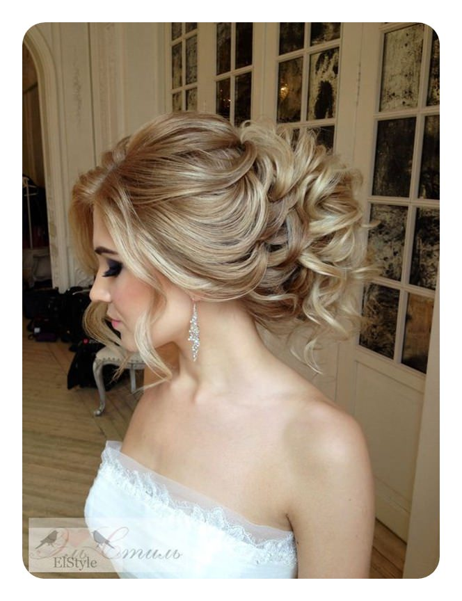 71 Unique Bridesmaid Hairstyles For the Big Day
