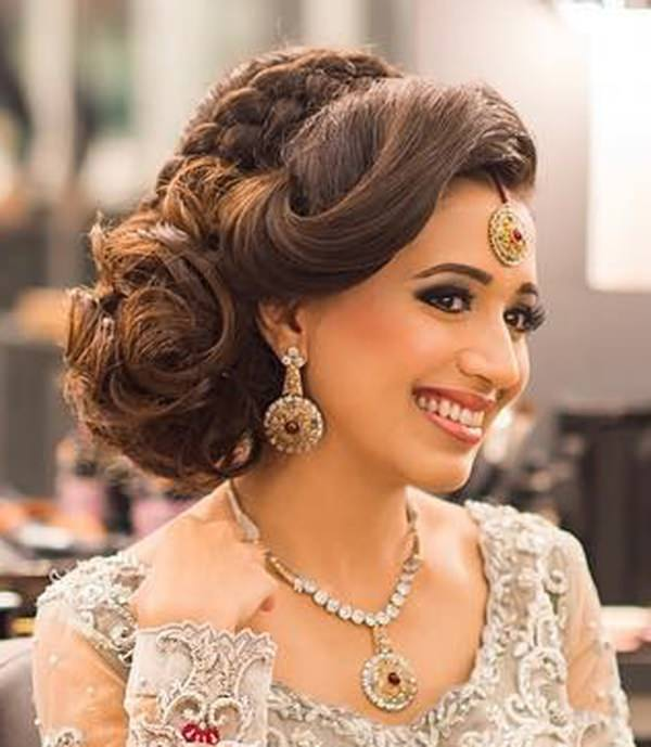 Wedding Hairstyles Indian: 98 Gorgeous Side Bun Hairstyles To Fall In Love With