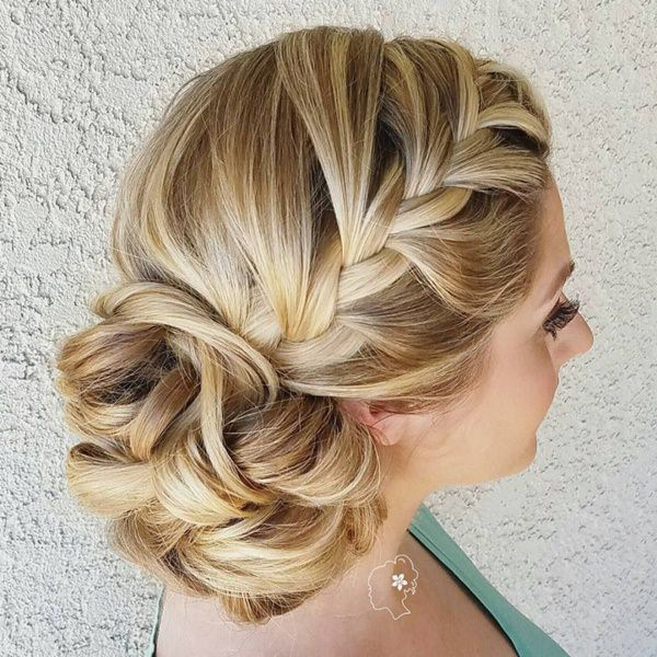 98 Gorgeous Side Bun Hairstyles To Fall In Love With