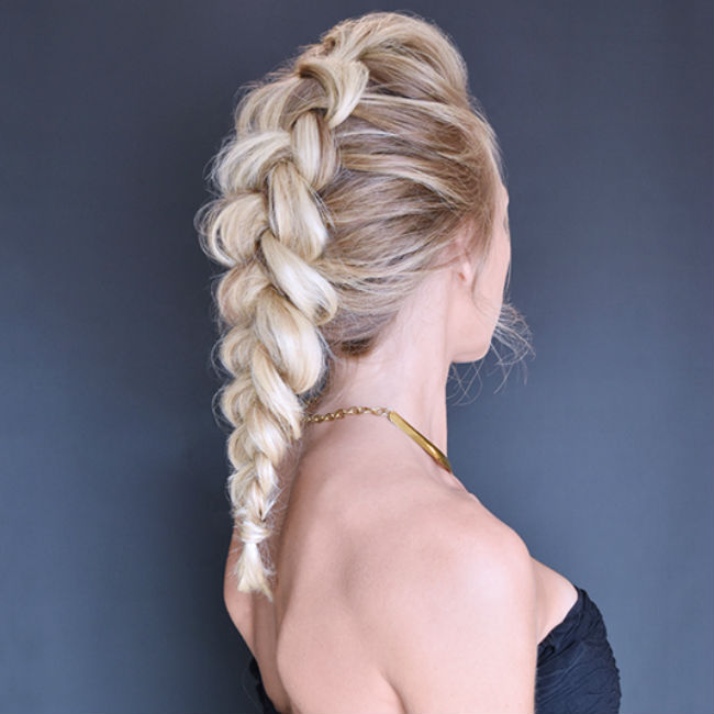 dutch-braid &quot;width =&quot; 650 &quot;height =&quot; 650 &quot;srcset =&quot; https://www.styleinterest.com/wp-content/uploads/2019/01/dutch-braid-by-Great-Lengths1.jpg 650w, https://www.styleinterest.com/wp-content/uploads/2019/01/dutch-braid-by-Great-Lengths1-150x150.jpg 150w, https://www.styleinterest.com/wp-content/uploads /2019/01/dutch-braid-by-Great-Lengths1-300x300.jpg 300w, https://www.styleinterest.com/wp-content/uploads/2019/01/dutch-braid-by-Great-Lengths1- 420x420.jpg 420w &quot;Größen =&quot; (maximale Breite: 650px) 100vw, 650px &quot;/&gt;</a></p><h3><strong>Das niederländische Geflecht</strong></h3><p>Sie denken vielleicht, dass das französische Geflecht einem französischen Geflecht sehr ähnlich sieht und Sie hätten Recht. Im Wesentlichen a <a href=